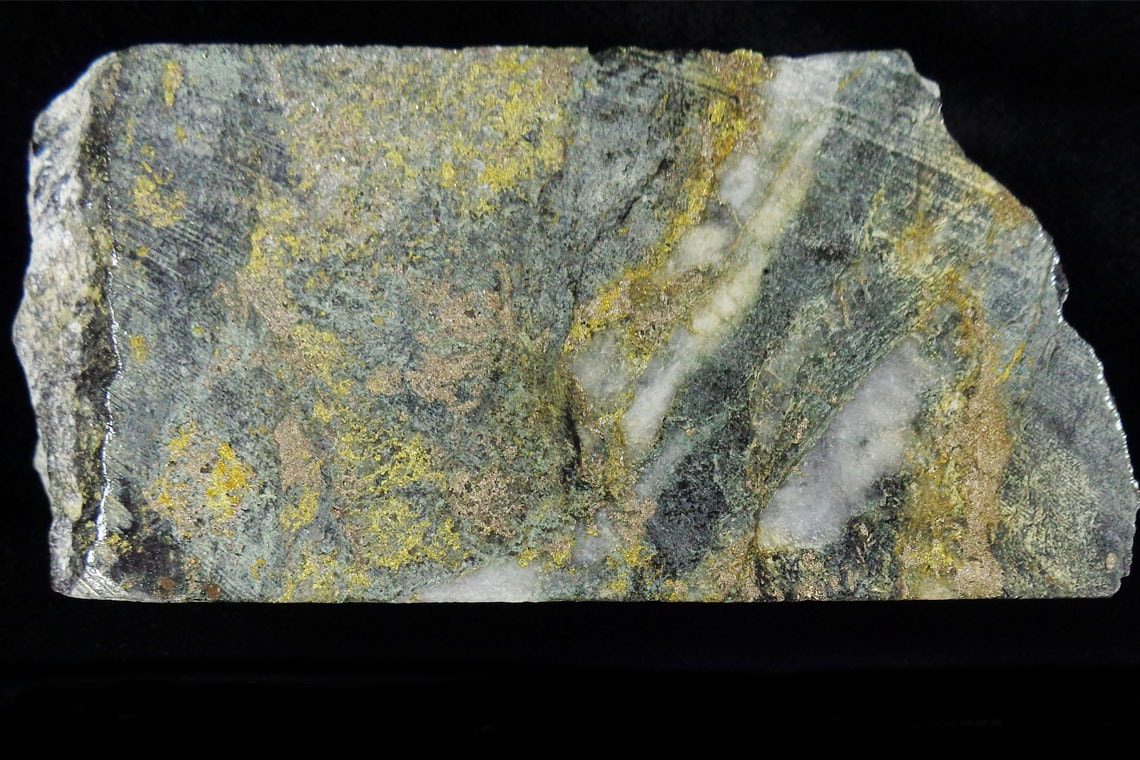 Photo of rock containing sulfur
