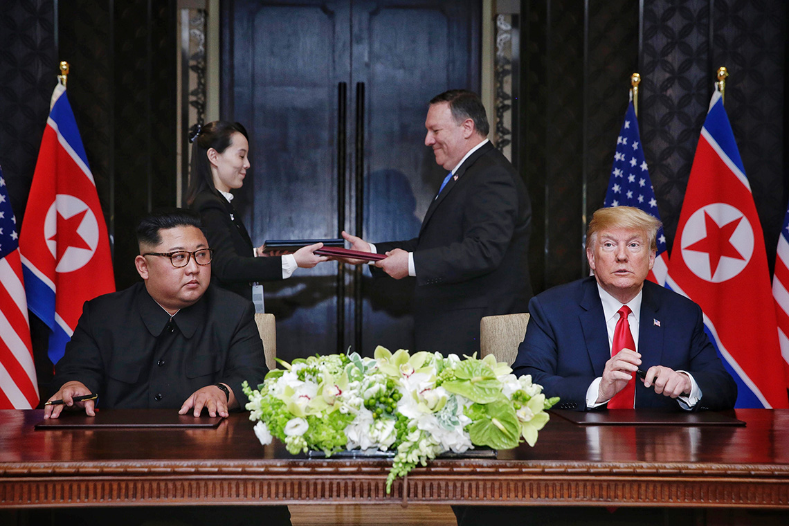 Photo of Trump and Kim Jong-un