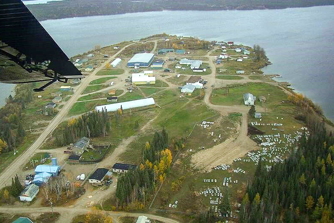 An aerial shot of Kitchenuymaykoosib Inninuwug First Nation