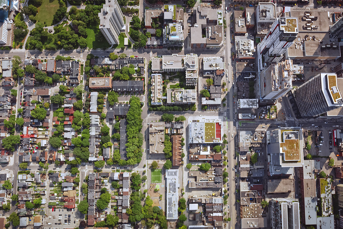 Overhead view of a neighbourhood in downtown toronto