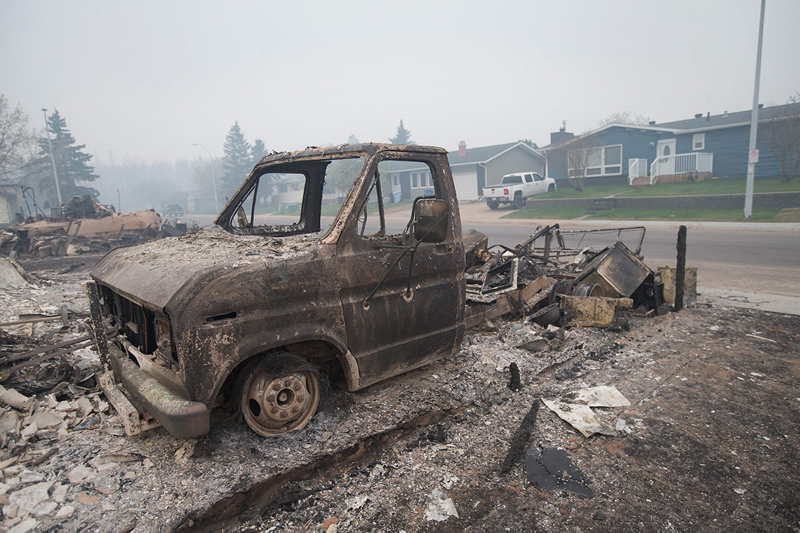 photo of burnt truck in Fort McMurray
