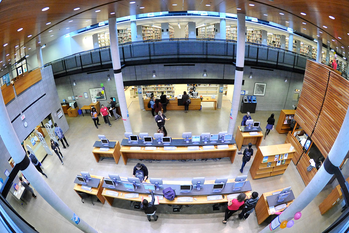photo of UTSC library