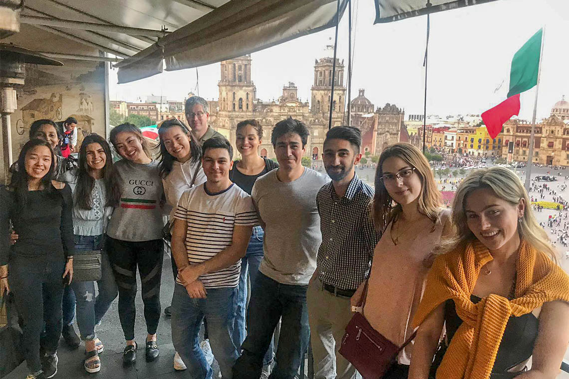 Photo of undergraduate students in Mexico